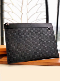 Louis vuitton damier Infini leather discovery clutch N60112 black