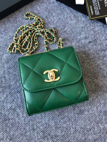 CC original lambskin clutch with chain A81633 green